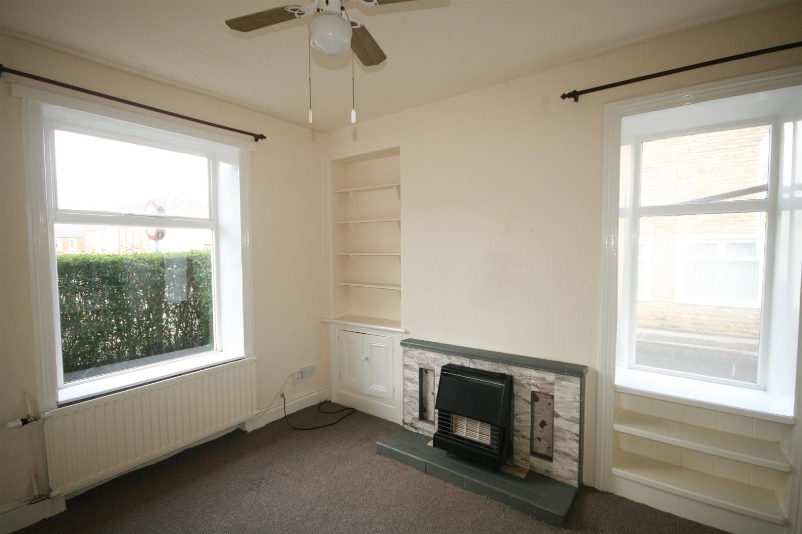 3 bedroom terraced house To Let in Barnoldswick - Property photograph